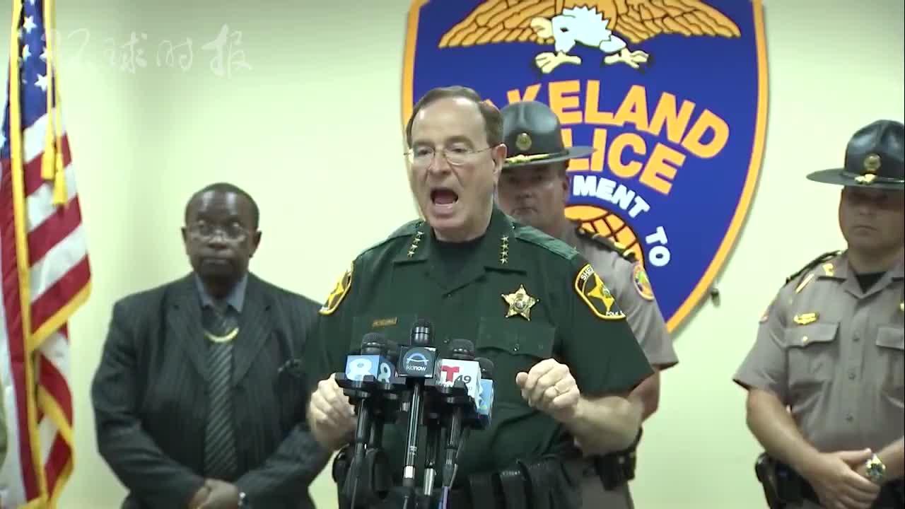 美国佛州一警长:建议居民开枪轰走暴徒安卓版