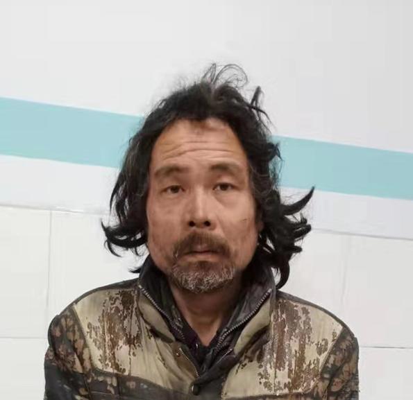 平顶山寻亲:中年男子被救助,高1米7,穿破旧黑色羽绒服插图