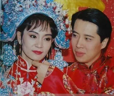 原來,歐陽娜娜的爸爸,和陳飛宇的媽媽,20年前一起演過瓊瑤劇
