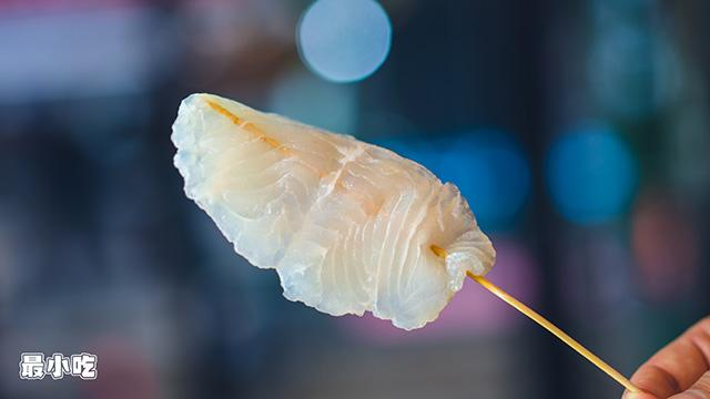 平顶山小路里的美食——跨界小哥的风格炸串,吃起来究竟是哪样?插图3