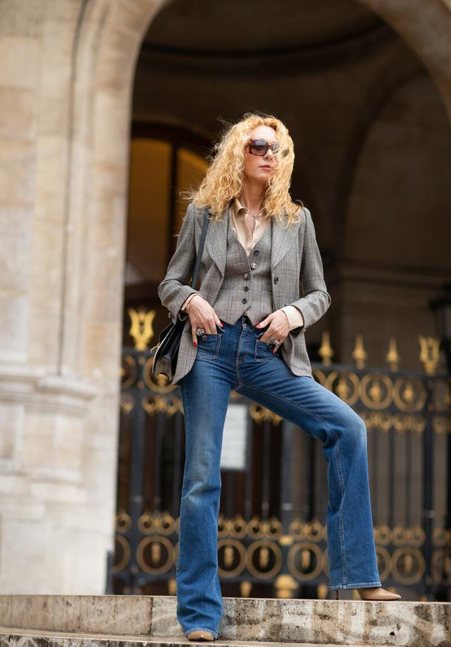 女性也可以帅气又潇洒,英伦三件套复古时尚,秋季这么穿太新潮-第11张