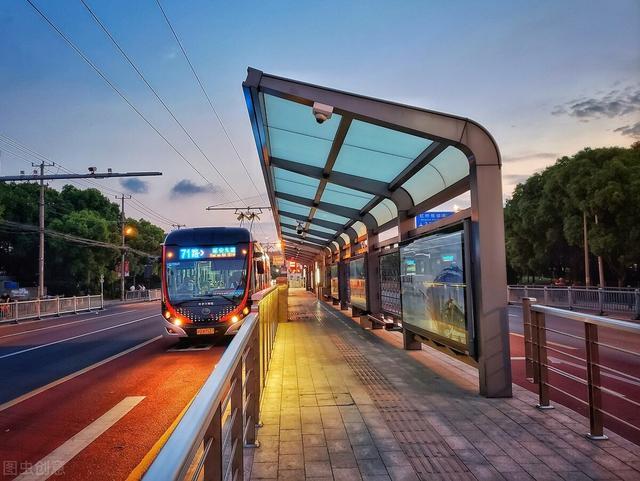 新城区平顶山学院公交枢纽站投运 7条线路运营路线调整插图