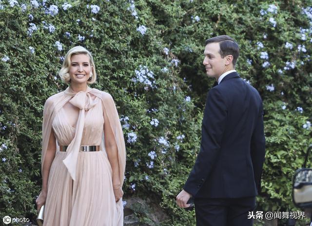 第一千金伊萬卡攜老公出席婚禮,米色長裙性感,恩愛對視超甜蜜