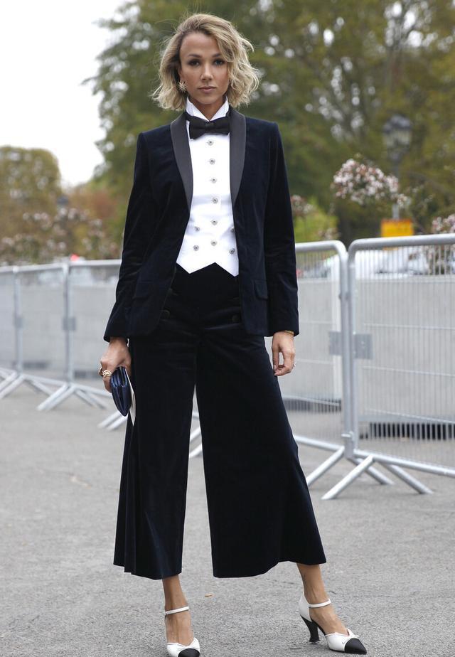 女性也可以帅气又潇洒,英伦三件套复古时尚,秋季这么穿太新潮-第8张