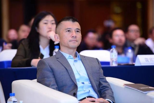 云南首富沉浮录:19岁挣上千万,入狱2年,复出后身家140亿