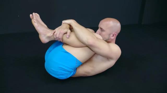 腰背疼最不能练的3个动作&最适合的5个动作,别再瞎练了-服务大众健康生活