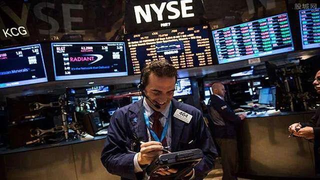 亚通股份股吧,巨亏800亿!这次股神也栽了