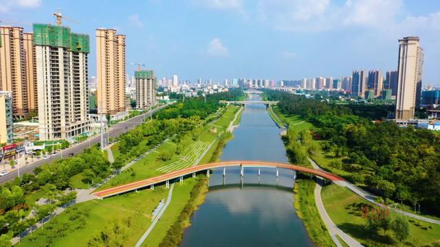 """航拍太美了!住在湛河畔这个小区,天天生活在""""人间仙境""""……插图1"""