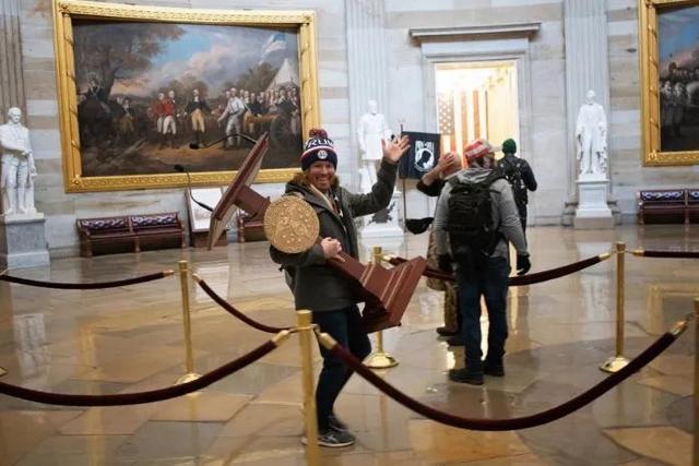 美国众议院的这次暴动早已导致
