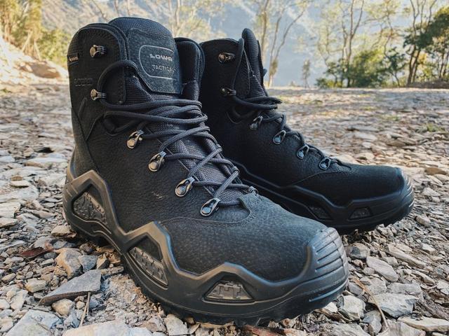 LOWA戰術軍靴實測,山林或城市間行走的必備诺亚彩票下载wx17 com鞋