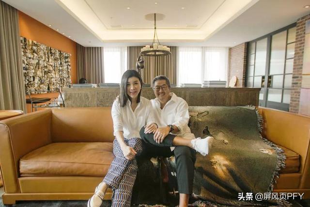 王偉忠當岳父,女兒高嫁百億豪門,悠然與妻子分床過晚年生活