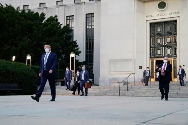 特朗普出院,回到白宫第一件事是摘口罩【www.smxdc.net】