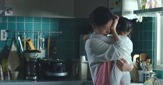 日本妈妈结婚24年生12个娃,承包家务还上班…到底图什么?-第1张