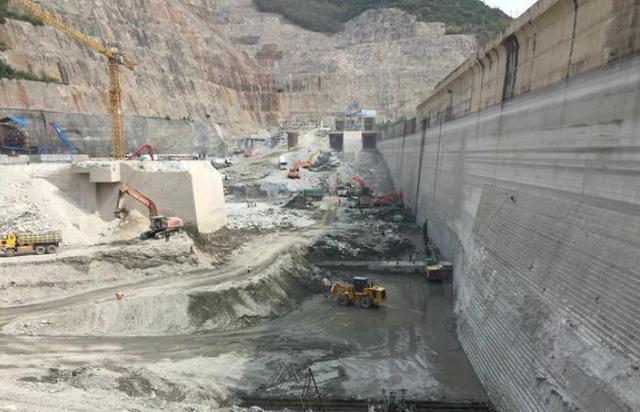 """120米""""钢柱""""插入喜马拉雅山,中国为巴铁解决难题,印度崩溃-第3张"""