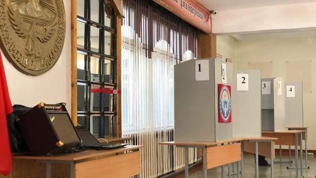吉尔吉斯斯坦将于12月20日重新举行议会选举