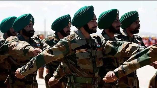 别的国家士兵都戴头盔,为何只有印士兵裹头巾?不怕被爆头吗-第1张