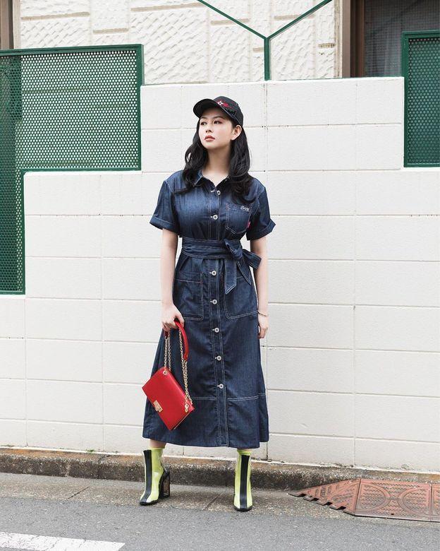 邱淑贞女儿沈月登上大刊封面,18岁星二代的时装进化之路-第15张