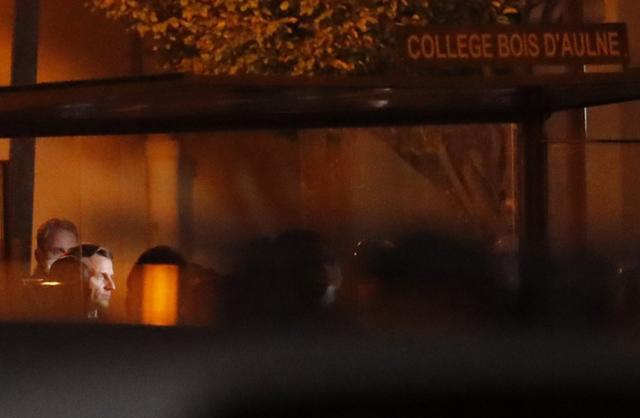 """突发!法国巴黎一老师被""""斩首"""",马克龙:这是""""伊斯兰恐怖袭击"""" 全球新闻风头榜 第5张"""