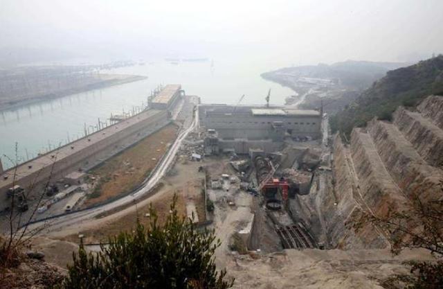 """120米""""钢柱""""插入喜马拉雅山,中国为巴铁解决难题,印度崩溃-第1张"""