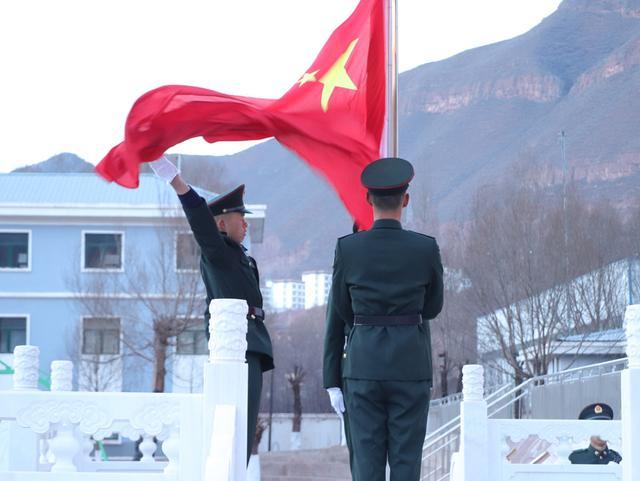 西藏军区某团:红旗迎风扬,祖国在我心-第2张