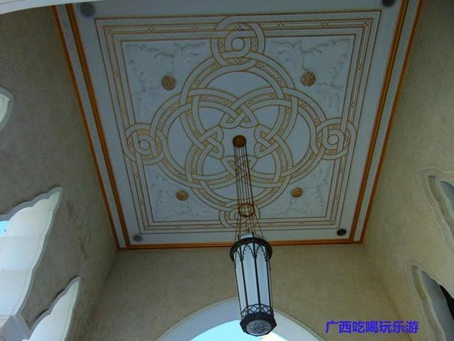 """""""佛光""""照在奥玛阿里清真寺,让文莱的象征很耀眼(文莱游18)"""