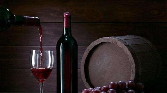 """红酒""""原装进口""""和""""原瓶进口""""有什么区别?了解清楚后不怕买错"""
