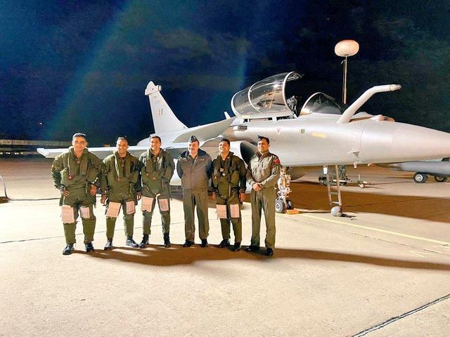 印度又有阵风战机交付,直飞7000公里不停,专家:掀不起风浪