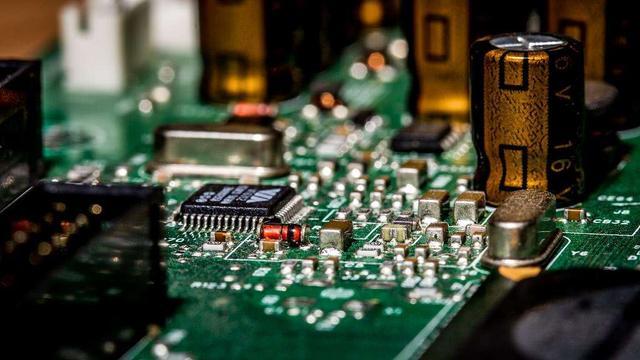 华为已获6家芯片商供货!美国却遭反噬:芯片业损失高达1700亿美元 全球新闻风头榜 第3张