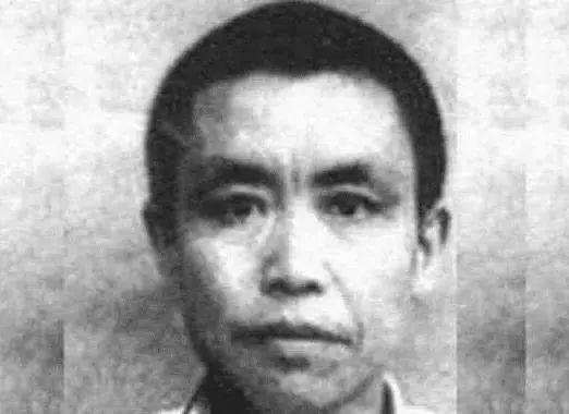 石顶武,1947年, 他在湖南称帝, 被抓后判处死刑, 30年后儿子再称帝