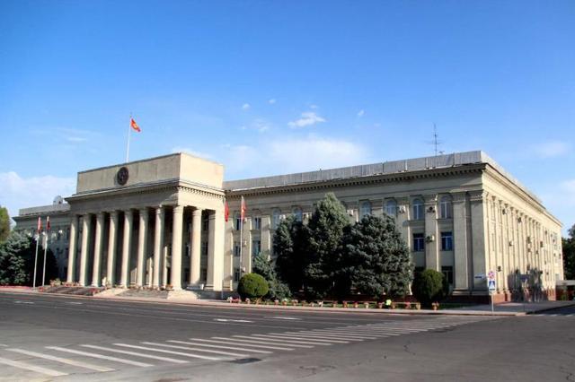 吉尔吉斯斯坦总统批准总理和政府辞职【www.smxdc.net】