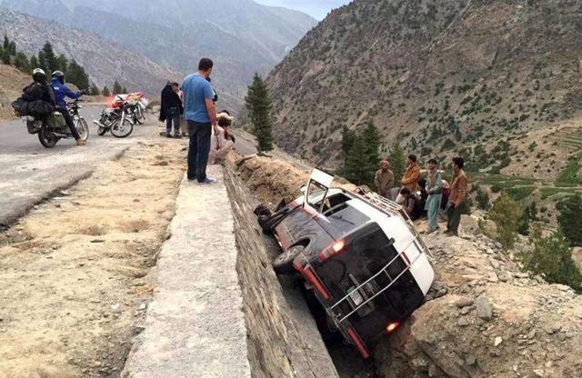 巴基斯坦开普省发生车祸 至少八人丧生