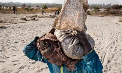 苹果、微软等五家美国科技巨头被起诉:纵容非洲童工挖钴致死致残