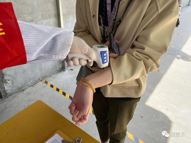 上海驾考已恢复,可以预约了!上车考试时需全程戴好口罩和手套插图(3)