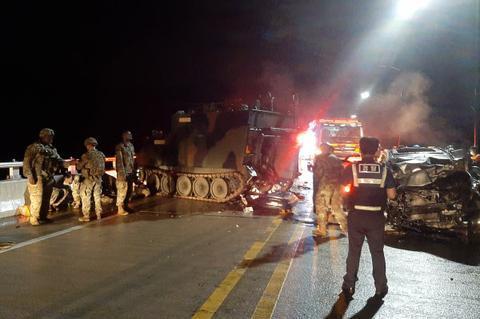 突发!美军装甲车与韩国私家车相撞:4名平民死亡www.smxdc.net