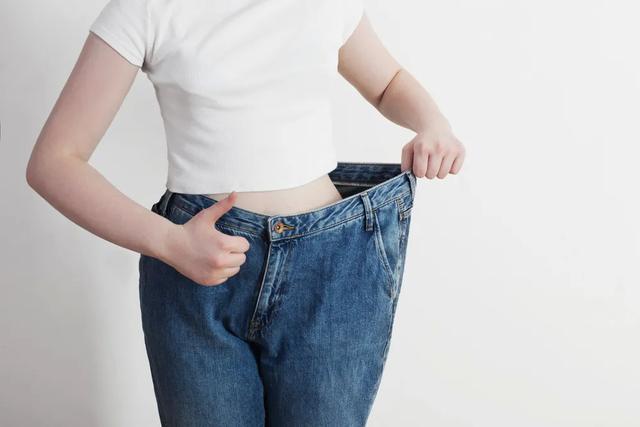 """为什么减肥要""""趁早""""?新研究:中年前减肥或能降低早亡风险"""