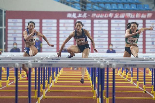 女子100米栏:吴艳妮夺冠比心-第3张