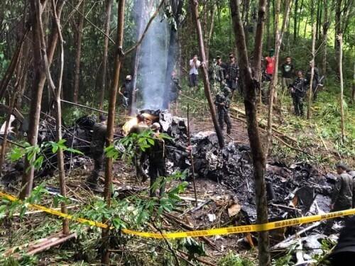 菲律宾南部一架直升飞机坠毁 4名军人死亡-第2张