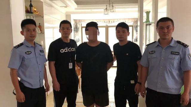"""浙江警方侦破一起开发微信""""清粉""""软件从事违法犯罪活动案件 站长论坛 第1张"""