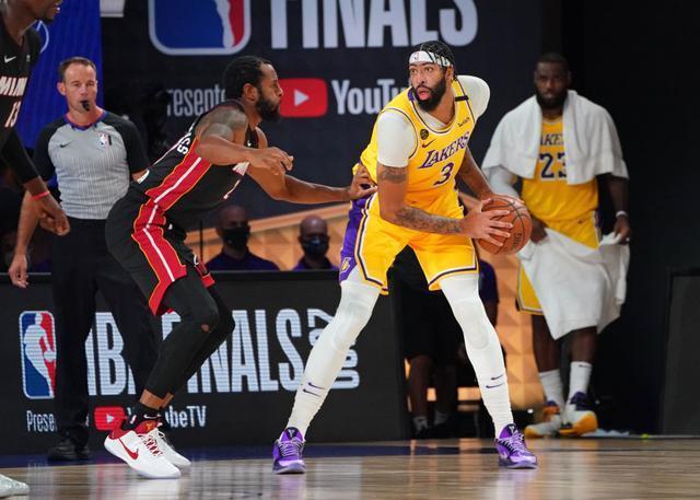 NBA总决赛第一场,浓眉哥出头,湖人大胜热火,这一波太稳了-第1张