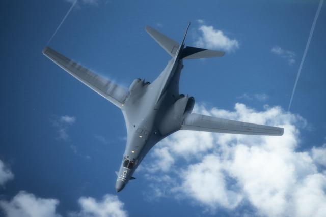 故技重施?美军轰炸机从关岛返回本土时故意绕道东海-第2张