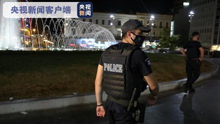 希腊警方针对违反防疫规定的行为展开48小时大巡查
