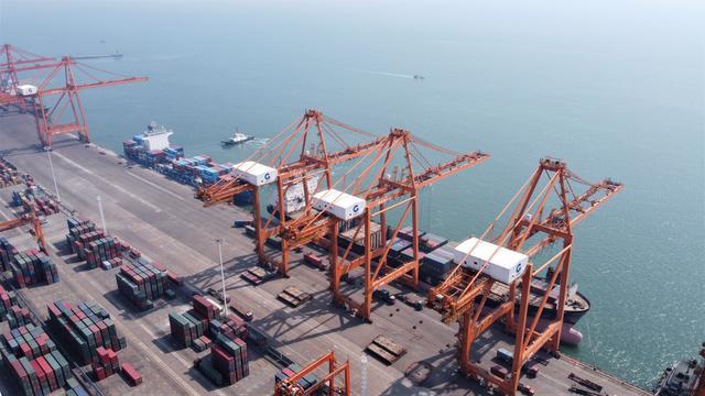 中国西部加速建设国际门户港助力新一轮开放