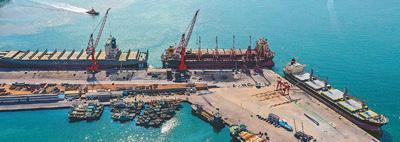 修理船舶 助力航运