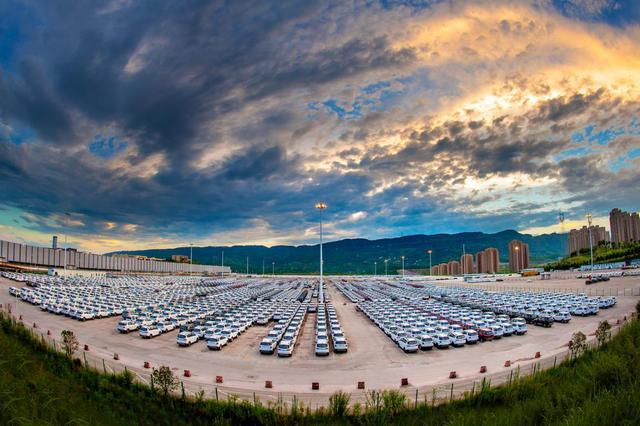 1-10月 两江新区汽车产量达55万辆 产值突破1000亿元