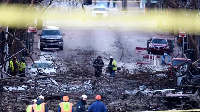 恐怖细节进一步曝光!美国市中心自杀式爆炸案,处处充斥着诡异和迷惑...