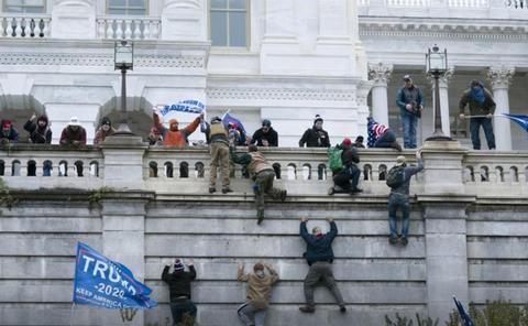 CNN报道国会骚乱收视现新高 美国人观后感:震惊、恶心