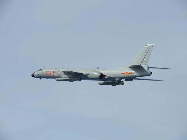 台媒:两架解放军轰-6战机飞抵台湾东部外海空域【www.smxdc.net】