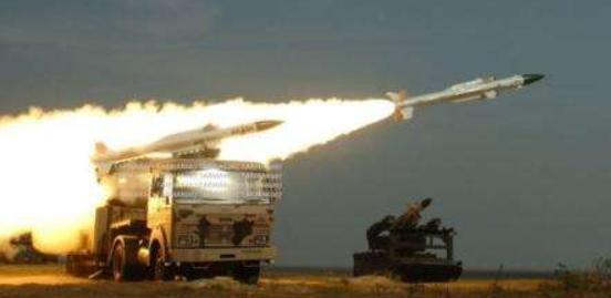 """巴基斯坦""""枭龙""""掉了!战机坠毁于印巴边境,印度国内一片欢腾-第6张"""
