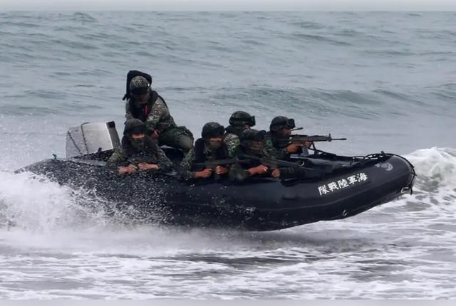 即 / 台軍「漢光」演習傳翻覆意外,一名落水士兵宣告不治身亡