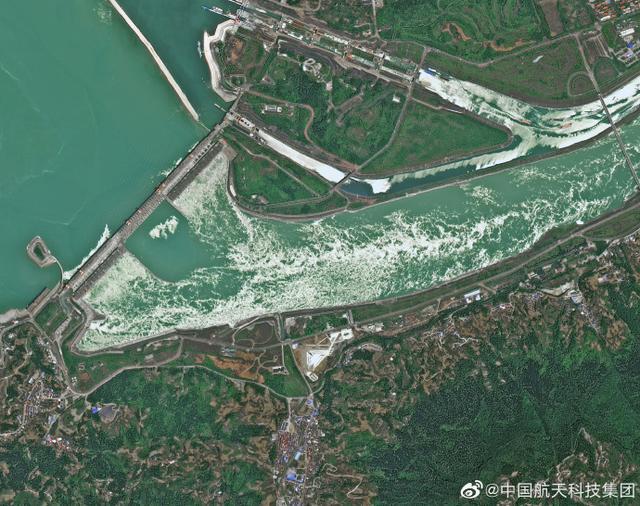 謠言:三峽大壩發生變形可能崩潰